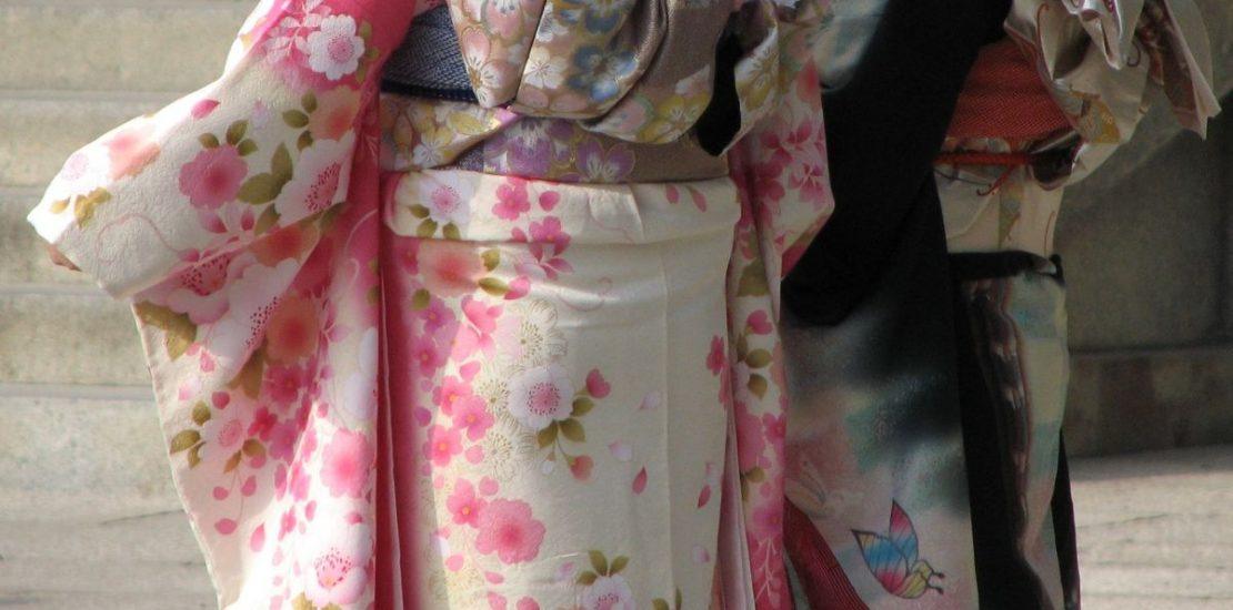 What fabric is best for a kimono